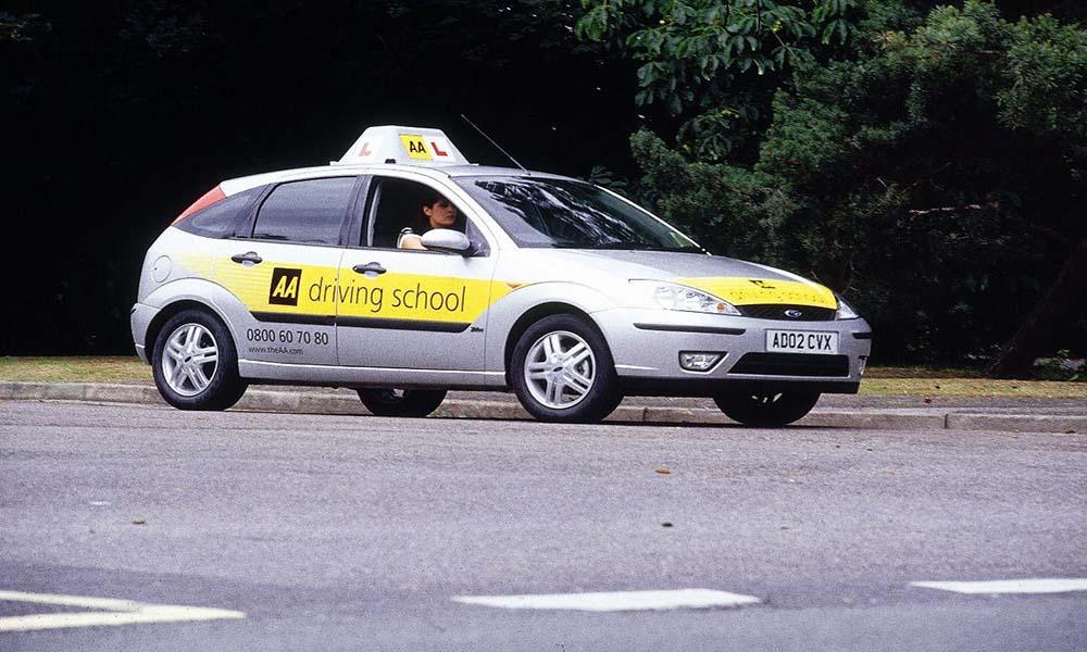Bằng B1 không lái xe taxi