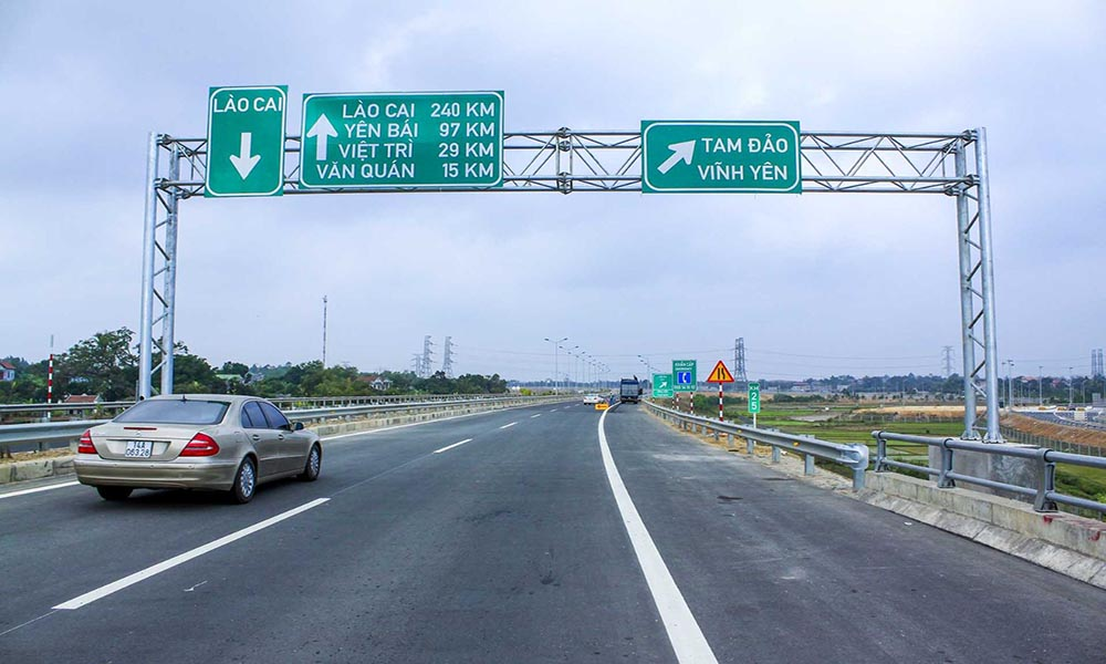 Biển báo đường cao tốc