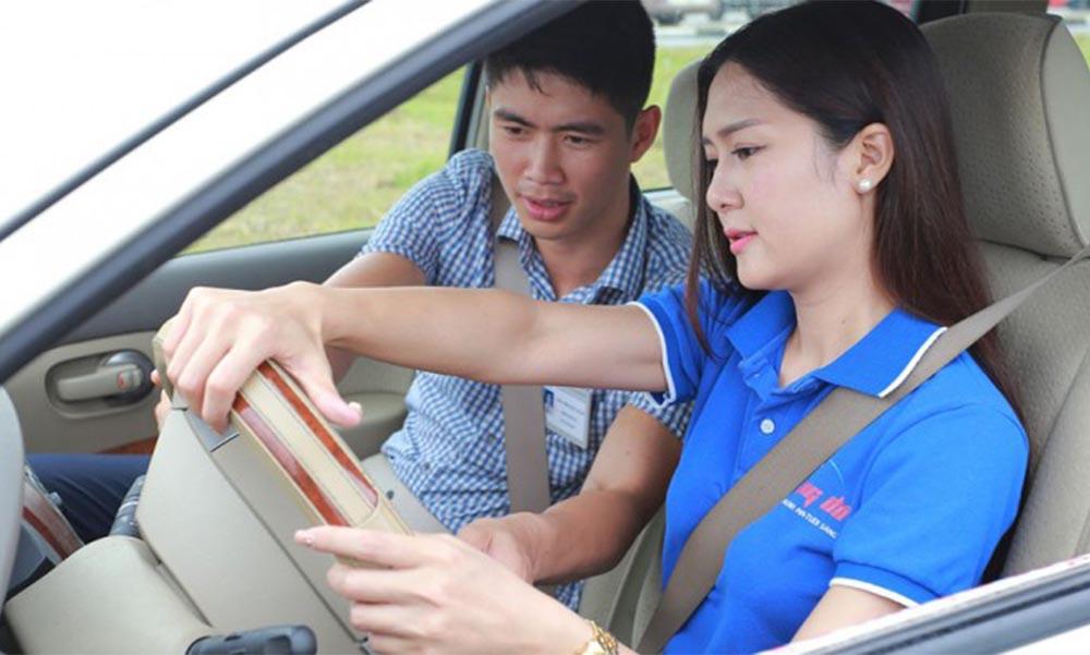 Bằng lái xe B2 lái được những loại xe gì?